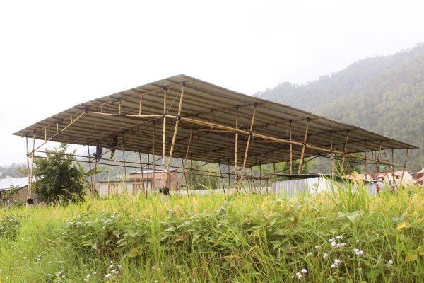 Dank Ihrer Spenden steht die innovative Multifunktionshalle aus Bambus bereits!